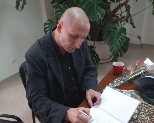 Rašytojas Sigitas Parulskis. Nuotr. www.skaitymometai.lt